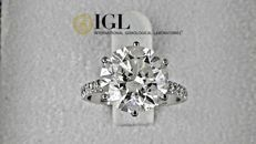 5.71 Ct round diamond ring made of 14 kt white gold - size 6