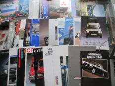 Company vehicle brochures (various brands, 33x, 1977-1992)