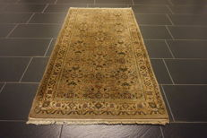 Beautiful hand-knotted oriental carpet, Sarough Mir, 95 x 170 cm, made in India, end of the 20th century