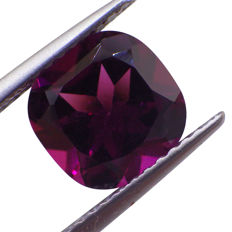 Grape Garnet - 1.94 ct