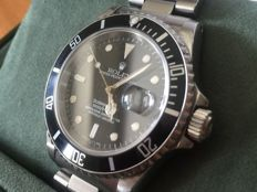 Rolex Submariner Date wristwatch for men 16610