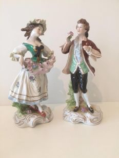 Porcelain couple in Rococo style - Scheibe Alsbach, GDR