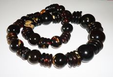 Impressive Amber necklace from natural  Amber from West Sumatra-Indonesia,  288 gram.