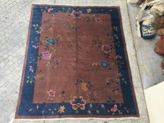 Beautiful vintage Chinese carpet, Art Deco, handmade, 240 x 300 cm