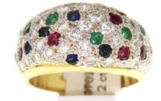 Bicolour golden ring with diamonds, sapphires, emeralds and ruby's / 2 cts in total/ 18 kt. / size 58