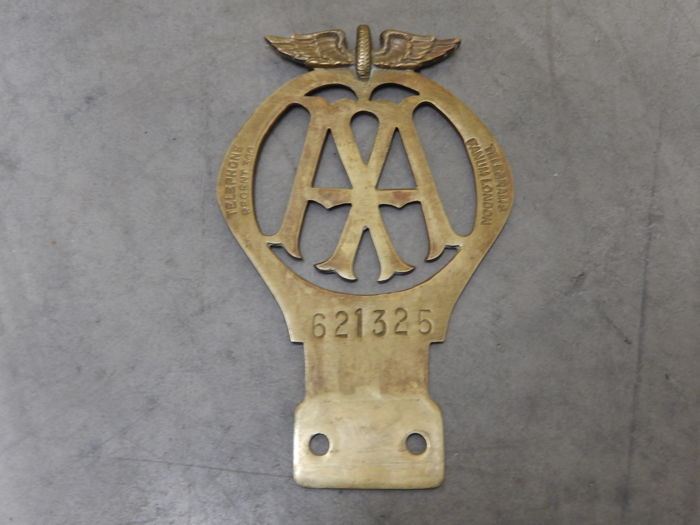vintage rare brass aa car badge nice condition dates between december 1926 and june 1927 catawiki. Black Bedroom Furniture Sets. Home Design Ideas