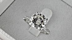 IGL 2.89 Ct round diamond ring made of 14 kt white gold - size 7