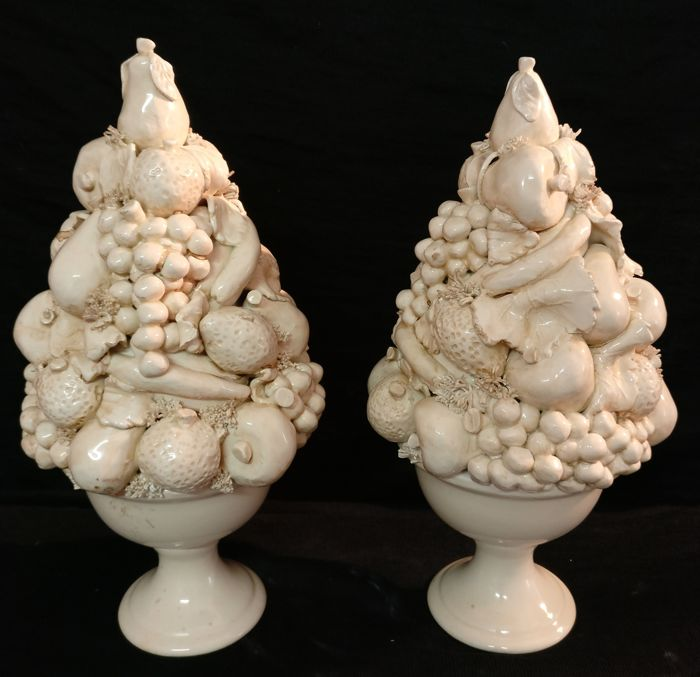 Pair of ceramic Trionfo vases and centrepieces with mixed fruit, Vecchia Bassano - Italy, Nove di Bassano