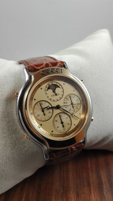 2bee4d0c144 Gucci 8300 Chronograph and moon phase - Men s Watch