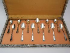 Twelve Art Nouveau style silver spoons in case, probably Italy, 20th century