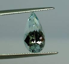 Aquamarine, light blue,  -  3,40 ct, no reserve