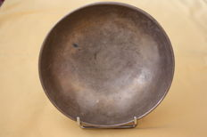 "Hand-hammered bowl ""Singing bowl"" - Nepal/Tibet - first half of the 20th century"