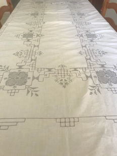 Hand-embroidered tablecloth and napkins