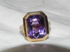 Amethyst cocktail ring 14 KT - 585 gold 5.86 g