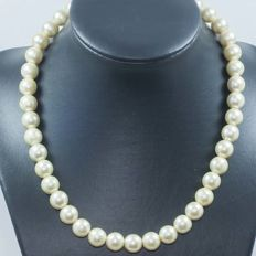 18 kt gold Bohemian pearl necklace - 42 cm.