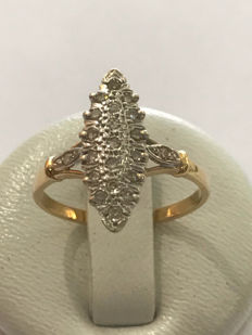 Marquise ring in 18k yellow gold and diamonds ** no reserve price ** - size 54