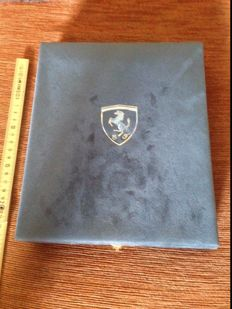 Ferrari Commemorative bronze medal, 2001, with certificate of authenticity/guarantee