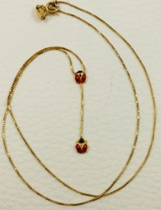 18 kt (750) yellow gold choker with two fire-enamelled ladybugs