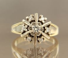 14 kt bi-colour gold ring with brilliant cut diamonds, ring size 16.75 (52)