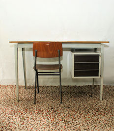 Marko – Industrial vintage design desk with matching chair