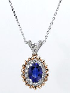 Necklace with gorgeous sapphire of 1.13 ct, with IGI certificate, and 21 diamonds of 0.25 ct in total
