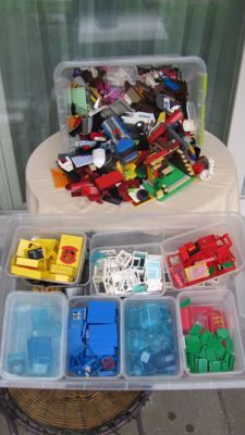 Assorted, Lego 7.5 kilograms, lots of colors and different parts and windows
