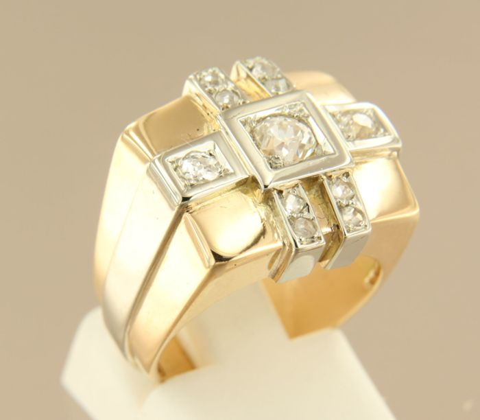 18 kt bi-colour gold ring set with Bolshevik and rose cut diamonds