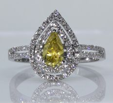 18 kt gold ring with pear-shaped fancy yellow colour with IGI certificate 0.51 ct & white diamond 0.55 ct - ***No minimum price***
