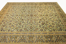 Fine Persian carpet, Kashan 4.13 x 2.95 OVERSIZE, pistachio green, genuine hand-knotted oriental carpet, great condition no. 93