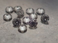 Lot of 12 brilliant-cut diamonds of 1.80 mm - total weight 0.30 ct - IF/D - top quality!