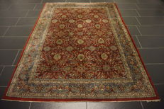 Magnificent hand-knotted oriental carpet, Indo Qom, Nain, oval, 175 x 235 cm, made in India