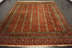 Hand-knotted Persian carpet, Pakistan, Bukhara, 200 x 290cm