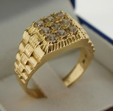 14 kt gold men's ring inlaid with crystal - size 20