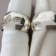 2 silver plated napkin rings and napkins - Royal Air Force
