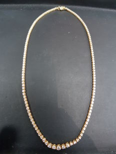 18ct Yellow Gold Diamond Necklace, Total Carat 3.20ct