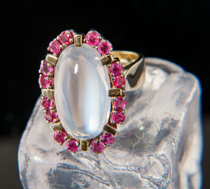 Ruby / Moonstone Cocktail Ring 14K Ring size: 49; US: 5  15,6mm∅