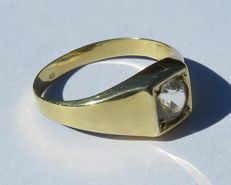 14k gold ring with large zirconia, ring size: 17.5 mm – 55 (Europe) – O (UK) – 7.5 (US)