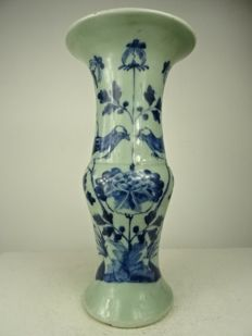 Celadon yenyen vase – China – 19th century