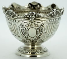 Queen Anne Style Silver Monteith Bowl - C&BS - London 1913