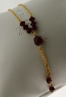 Gold necklace of 14 kt with garnet - length: 45 x 0.1 cm