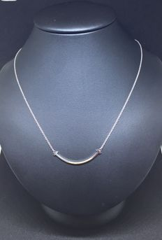 "Tiffany & Co. - ""Smile Tiffany T"" 18 ct white gold necklace - length of the chain: 21cm"