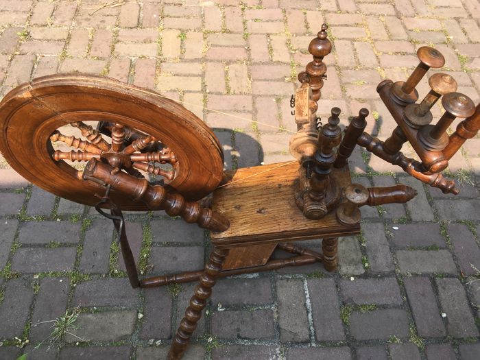 Beautiful antique spinning wheel, late 19th century