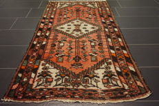 Persian carpet, Malayer, 95 x 175 cm, made in Iran, old rug, collector's carpet