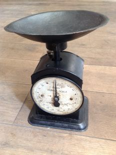 Salter Hughes English kitchen scales