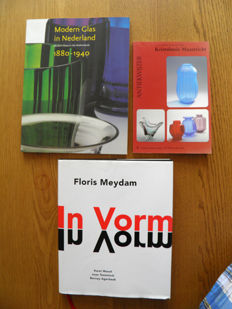 Literature: 3 books : Kristalunie, Meydam, modern glass