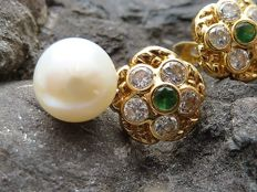 18 kt gold earrings with pearls