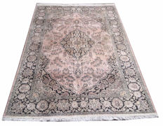 1970s Approximately Fine Quality Hand Knotted Silk Wool Cashmeri Carpet Area Rug 198 cm x 124 cm