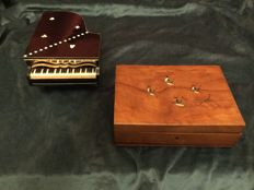 Piano music box made of wood and mother of pearl, 50's and inlaid walnut jewel box early '900