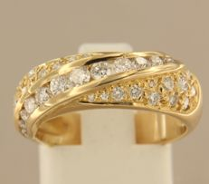 Gold ring, set with 38 brilliant-cut diamonds of approx. 1.00 ct in total – ring size 17.5 (55)