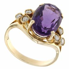 Vintage 14 kt / 585 yellow gold ring with Amethyst  and  Diamonds